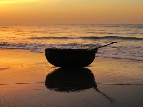 Rạng rỡ ánh bình minh trên biển Phan Thiết