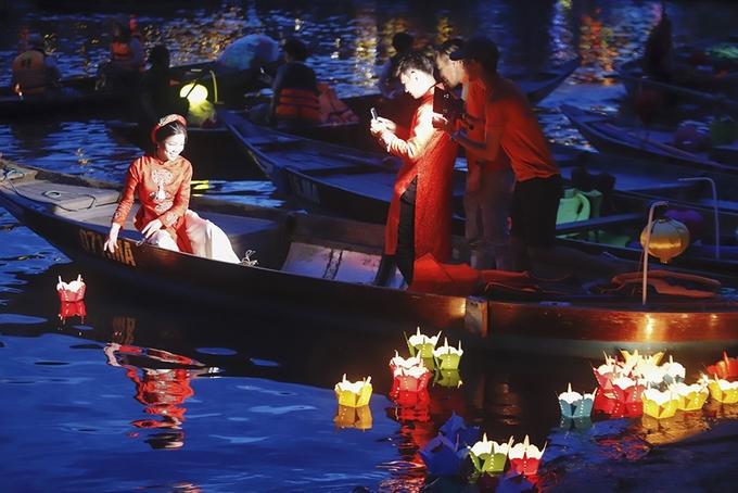 Bờ sông Hoài - điểm ngắm hoàng hôn đẹp ở Hội An