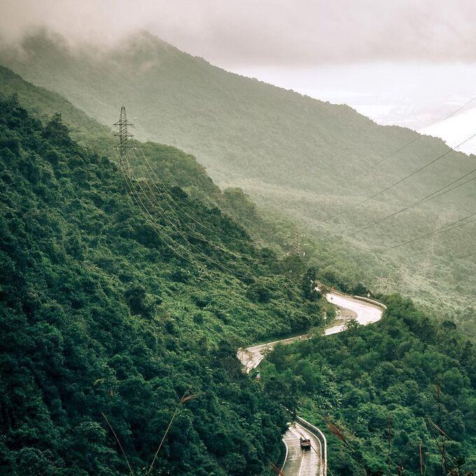 Đèo Hải Vân một lần đến miền Trung nhớ checkin.