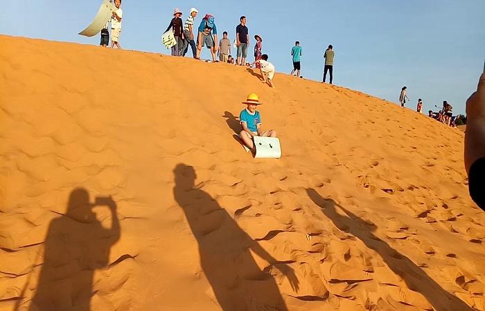 Đồi Cát Bay Mũi Né trải nghiệm không thể thiếu khi đến Bình Thuận.